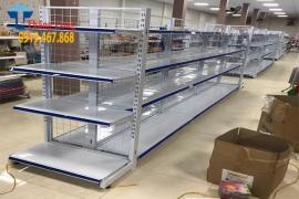 Kệ siêu thị lưng lưới