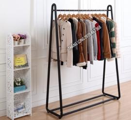 Kệ treo quần áo shop - KTT18