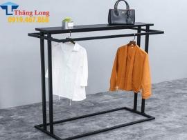 Kệ treo quần áo shop Ktt37