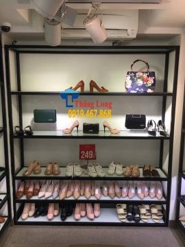Thanh lý 400 bộ kệ trưng bày giày dép, túi xách mẫu mã đẹp, giá cực rẻ