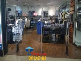 Lắp đặt kệ thời trang tại ngõ 210 Trần Duy Hưng