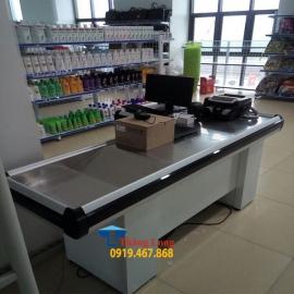 Bàn thu ngân siêu thị