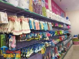 Các mẫu móc treo hàng siêu thị phổ biến giá rẻ